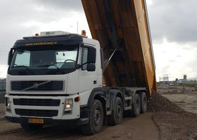 Haakarm containerauto 8x4