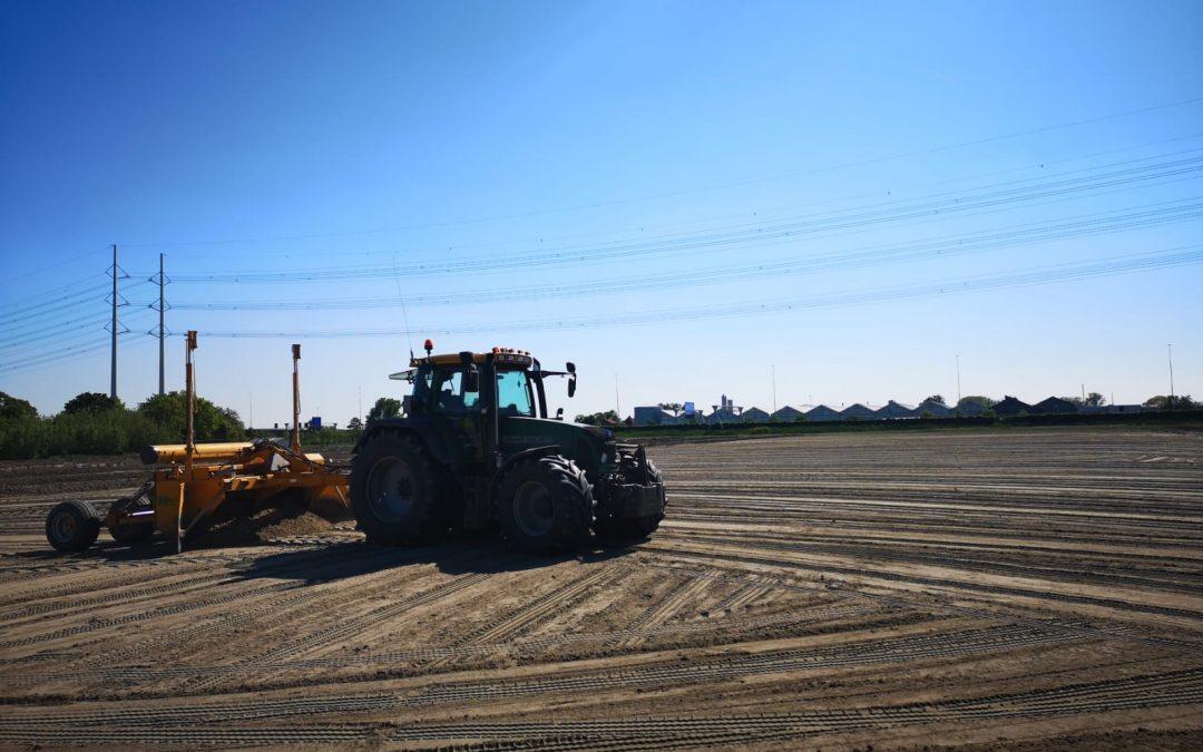 Kilveren en grond rijden voor Boskalis in Den Hoorn